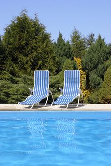 Free Pool Chairs Royalty Free Stock Photo - 6014545
