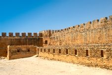 Free Ancient Fortress Royalty Free Stock Photography - 6016927