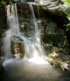 Free Gardening Waterfall Royalty Free Stock Photos - 6024058