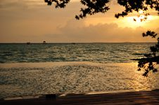 Free Maldivian Sunrise Royalty Free Stock Photography - 6024817