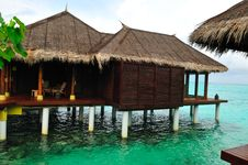 Free Beach Bungalow On Maldives Royalty Free Stock Image - 6026606