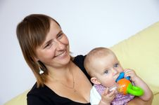 Free Smiling Mother With Baby Royalty Free Stock Images - 6026749