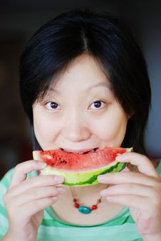 Free A Girl Eat Watermelon Royalty Free Stock Photos - 6027008
