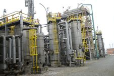 Free Part Of Refinery Complex Royalty Free Stock Photos - 6034838