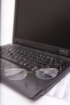 Free Black Laptop, Glasses, Pen Royalty Free Stock Image - 6038306