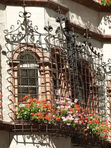 Free Wrought Iron Windows Royalty Free Stock Photography - 6039647