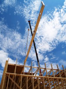 Free Construction Crane - Vertical Royalty Free Stock Image - 6040426