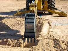 Free Steam Shovel Digging Into The Ground- Horizontal Stock Photography - 6040812