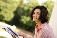 Free Woman Reading In Park Stock Photo - 6046690