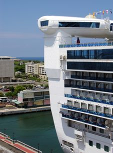 Free Cruise Liner S Back Stock Photography - 6046912