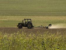 Free Tractor At Work Stock Photo - 6048090