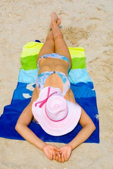 Free Pretty Caucasian Woman Taking A Sunbath Royalty Free Stock Photos - 6050068