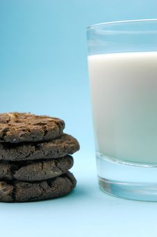 Free Milk And Cookies Stock Photo - 6050280