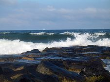 Free Ocean Waves Rocks Sail Beach Royalty Free Stock Images - 6058759