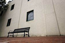 Bench Near A Building In Downtown Plano, TX Stock Image