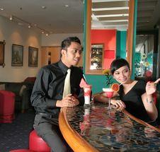 Free Couple At Bar Royalty Free Stock Image - 6060656