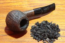 Free Tobacco Pipe Royalty Free Stock Photography - 6061457