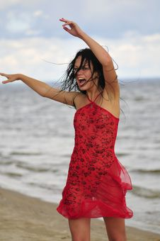 Free Happy Woman Dancing On The Beach Royalty Free Stock Photos - 6061628
