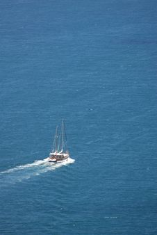 Free Sailing Yacht Royalty Free Stock Photo - 6065175