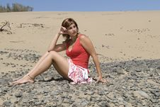 Free Woman In A Desert Dune Royalty Free Stock Photos - 6070308