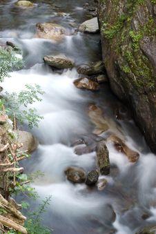 Free Slow Exposure Mountain Stream Stock Photos - 6075013