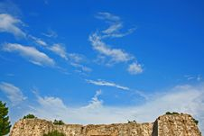 Free Fortress And Dragon Cloud Royalty Free Stock Images - 6075689