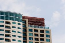 Free Scaffold On Colorful Condo Royalty Free Stock Images - 6076089