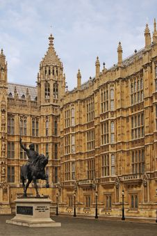 Statue Of Richard 3, Houses Of Parliament, London Royalty Free Stock Photo