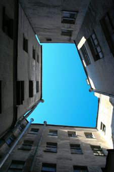 Court Yard-well Stock Photos