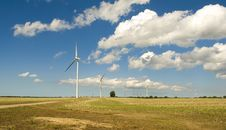 Free Wind Turbines Royalty Free Stock Images - 6077479