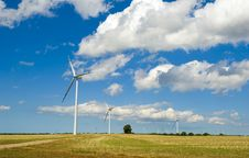 Free Wind Turbines Royalty Free Stock Image - 6086656