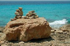 Free Pile Of Stones On Sea Stock Photography - 6088422