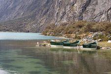Free Boats At Mountain Lake Royalty Free Stock Images - 6089229