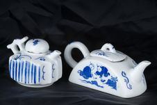 Free Pair Of Ancient Teapot Royalty Free Stock Photos - 6089688