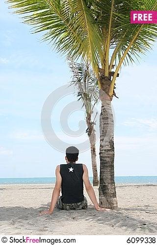 Free Enjoy On Tropical Beach Royalty Free Stock Photos - 6099338