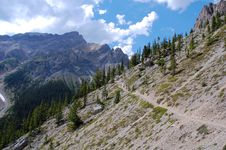 Free Hiking Trail In Rocky Mountains Stock Photography - 6090782