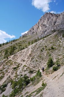 Free Hiking Trail In Rocky Mountains Royalty Free Stock Photos - 6090798