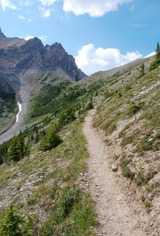 Free Hiking Trail In Rocky Mountains Royalty Free Stock Photos - 6090818