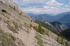 Free Hiking Trail In Rocky Mountains Stock Photography - 6090852