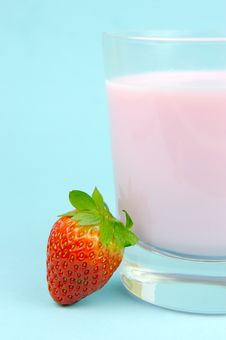 Free Strawberry Milk Stock Photography - 6092002