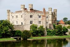 Free Historic Leeds Castle Royalty Free Stock Image - 6094466