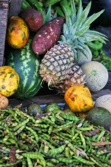 Free Fresh Fruit And Vegetables Stock Images - 6094514