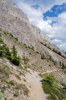 Free Hiking Trail In Rocky Mountains Stock Photo - 6095250