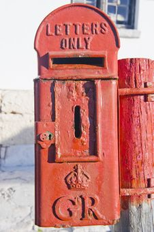 Free Historical Mailbox With Royal Crest Of King George Stock Photography - 6095622