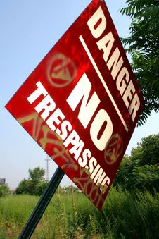 Free No Trespassing Royalty Free Stock Photos - 6095888