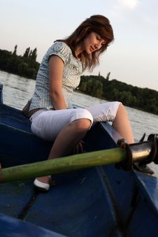 Free Girl Rowing Boat Royalty Free Stock Photography - 6099507