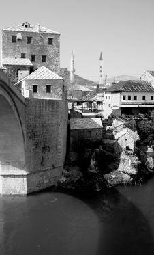 Free The Old Bridge Stock Image - 611721