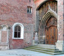 Free Cathedral Walls Royalty Free Stock Images - 615269