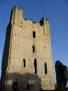 Free Castle Ruin In The Country Stock Photography - 616452