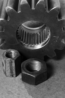 Free Mechanic Parts In Black And White Royalty Free Stock Photo - 616955